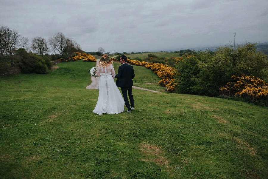 natural retreats wedding with bride and groom