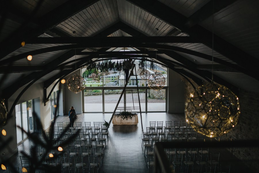 Amie & James | Yorkshire wedding barn 4